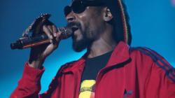 Snoop Dogg échange les armes contre la paix dans son nouvel album