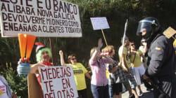 Cientos de afectados por las preferentes protestan en