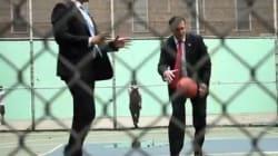 Obama et Romney jouent au