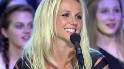 Britney Spears surfe sous contrôle
