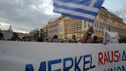 Merkel in Grecia, scontri ad Atene: la città blindata riceve la cancelliera