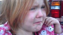 Elle pleure à cause de