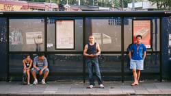 Per 4 anni ha fotografato gente che prende il bus