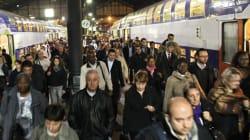 Des milliers de voyageurs bloqués dans la nuit à