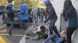 Sugli scontri inchiesta della magistratura. Sono tre i lacrimogeni dal ministero della Giustizia: il video girato da una fine...