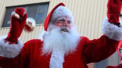 Le père Noël arrive en ville pour son traditionnel