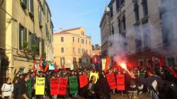 Elsa Fornero a Venezia: studenti in corteo contro il ministro (FOTO,
