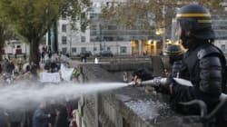 À Nantes, les CRS répliquent avec des lances à