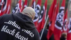 Sfilano i neofascisti di CasaPound: