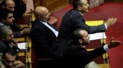 Grèce: les députés néo-nazis peuvent garder leurs armes en