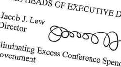 Obama se moque à son tour de la signature de son secrétaire au