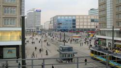 Berlino, falso allarme per acido tossico alla fermata dei
