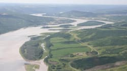 First Nations' Ultimatum: Pick Between Dam And