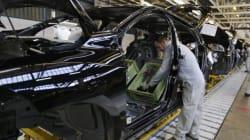 Les ventes de PSA et Renault continuent de