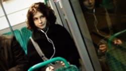Dans le bus, Solange vous espionne (mais vous veut du