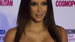 Kim Kardashian va faire son entrée dans un musée nue et enceinte