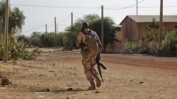 L'armée française bombarde une position islamiste à