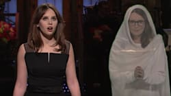 Tina Fey Crashes Felicity Jones' 'SNL' Monologue To Offer Hosting