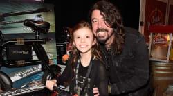 La fille de Dave Grohl joue de la batterie au concert des Foo