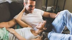 22 Cozy Engagement Pics That Will Make You Feel Right At