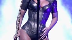 Beyoncé se cortó la oreja (sin querer) y sus fans se están