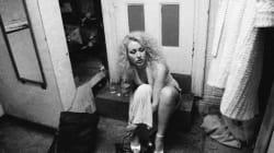 1997年、ニューヨークのストリップ楽屋。禁断の世界の、さらに裏側をのぞく【モノクロ画像】