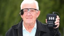 Il servizio sanitario inglese darà a 10 pazienti non vedenti un nuovo occhio bionico