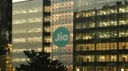 Reliance Jio Starts Home Delivery Of SIM