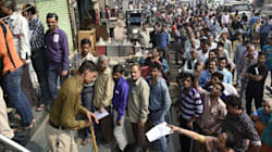 3 People Have Died Collapsing In Queues In India Because The Government Didn't Think Through A New