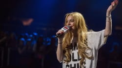 Lindsay Lohan Live-Tweeted Brexit, Because That's What She Does