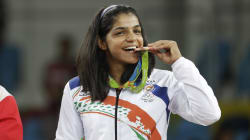 Twitter Erupts With Joy As Sakshi Malik Bags India's First Medal At