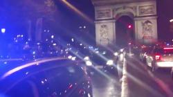 Manifestation surprise de policiers en pleine nuit sur les