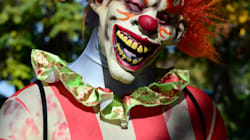 Creepy Clowns Are Prowling Around U.S. Neighbourhoods And Luring