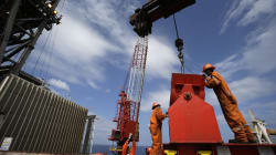 Diputados aprueban ley para que petroleras privadas paguen menos