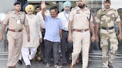 Arvind Kejriwal Washes Dishes At Golden Temple As