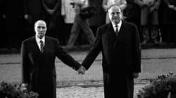 L'histoire derrière la photo mythique de Mitterrand et Kohl main dans la