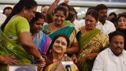 Sasikala Claims These Were Jayalalithaa's Last Words To