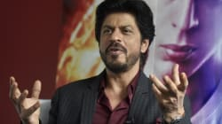 Shah Rukh Khan Was Detained At An Airport (Again) And Handled The Situation In The Chillest Way