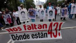 La represión no ha cesado, dicen padres de los 43 en el