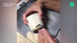 Cet artiste japonais gratte de la poterie, un art fascinant à