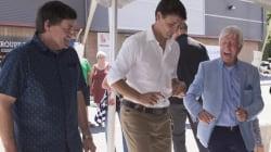 De la danse en ligne, un bain de foule, des photos: Trudeau s'imprègne de l'Expo agricole de