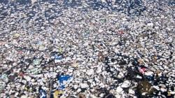 Une mer de déchets plastiques dans les