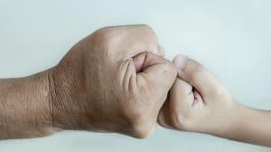 Más de 4.300 padres denuncian cada año agresiones de sus hijos en
