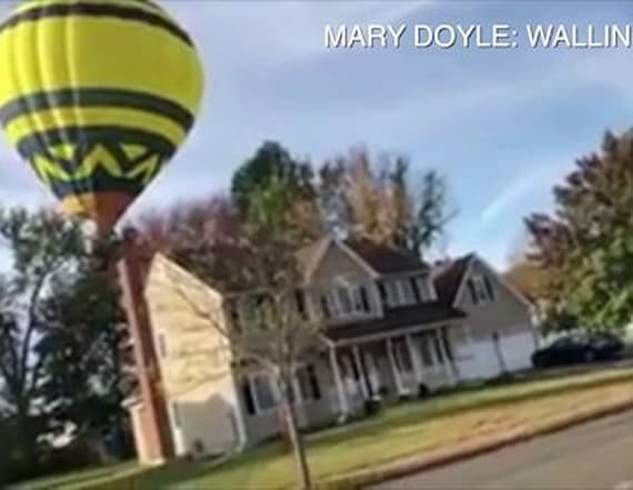 Air balloon makes emergency landing in neighborhood