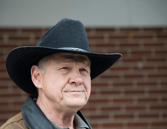 Poll: Americans think Moore shouldn't be in Senate