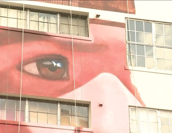 Artist aspires to paint largest mural in the world