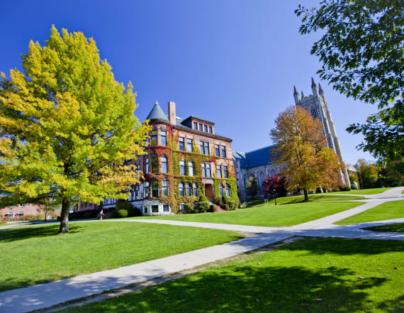 20 college towns that parents won't want to leave