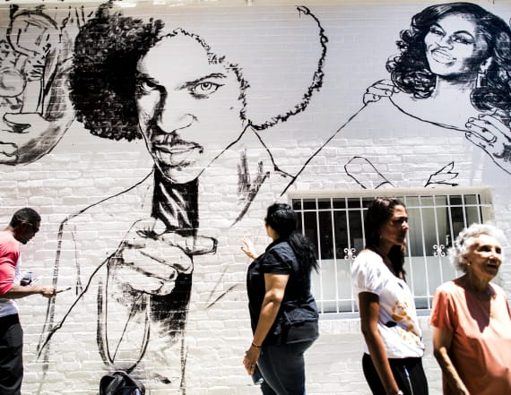 Ben's Chili Bowl repaints famous mural without Cosby