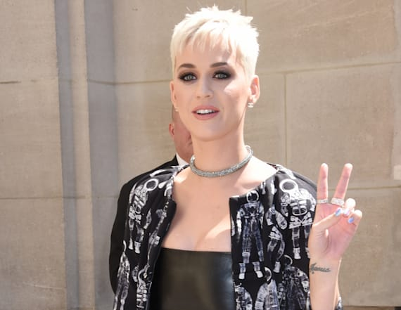 Katy Perry to host, perform at 2017 VMAs