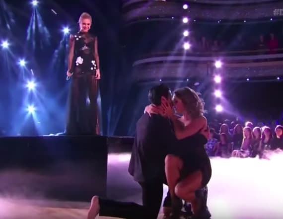 'DWTS' couple kisses onstage